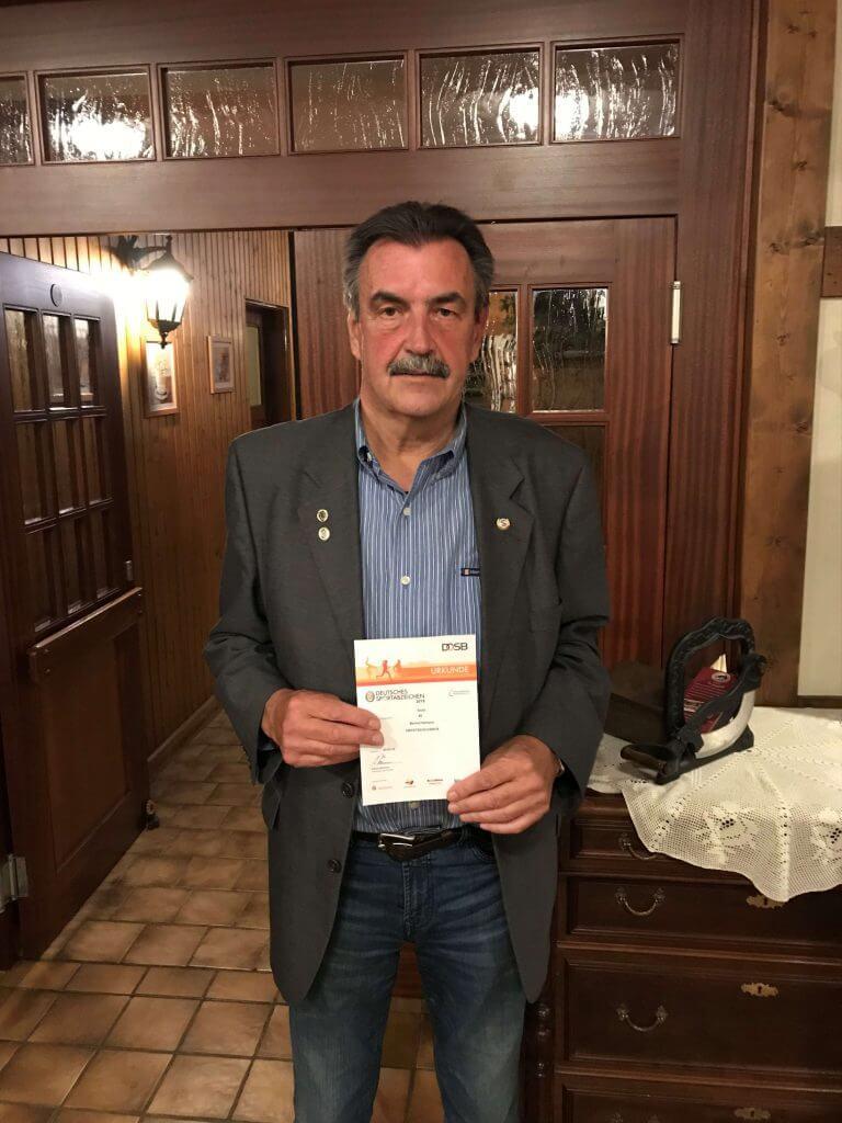 Bernd Hamann absolvierte zum 40. Mal erfolgreich das Deutsche Sportabzeichen